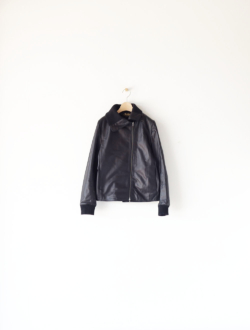 shaped widecollar JKT black