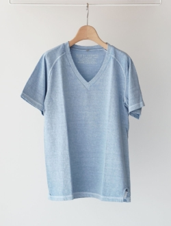 Nigel Cabourn | v neck t-shirt  pigment  saxblue
