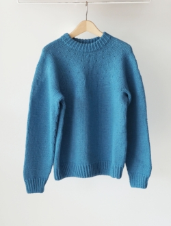 LENO | hand knitted sweater  blue