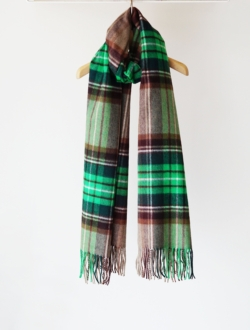 Johnstons of Elgin | cashmere stole  green&brown check